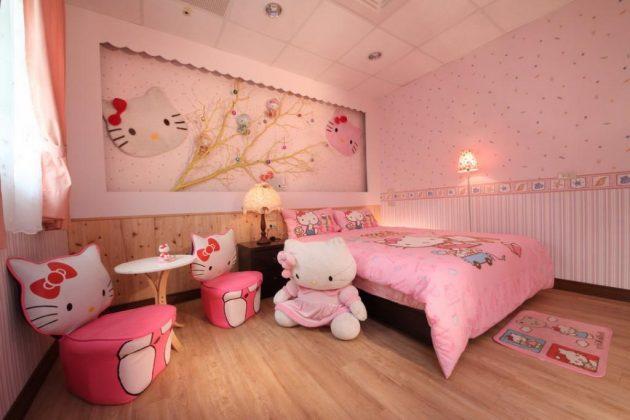 phòng ngủ tràn ngập chú mèo Hello Kitty
